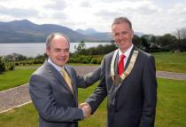 Prof Seán Tierney, Outgoing President and Dr Ronan Boland, President of the IMO